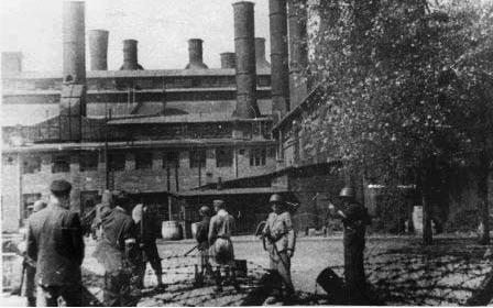 elektrownia-Powiśle_popr_sierpień-1944_Fot.-NN-Studium-Polski-Podziemnej-w-Londynie