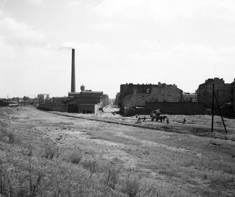 schicht_Widok-na-ulicę-Szwedzką-z-1957-roku.-fot.-Zbyszko-Siemaszko-NAC_800.