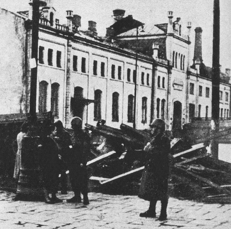 1939-podpis-Posterunek-wojskowy-przy-barykadzie-na-ul.-Krochmalnej_800